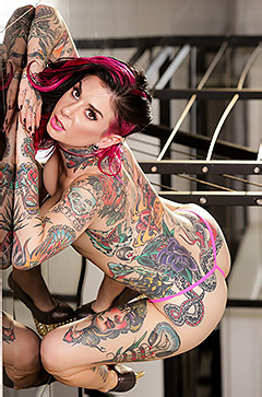 Kinky Pornstar Joanna Angel