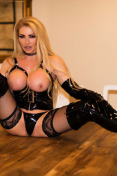 Lynda Leigh In Dom Latex Fetish