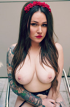 Busty Tattooed Linda
